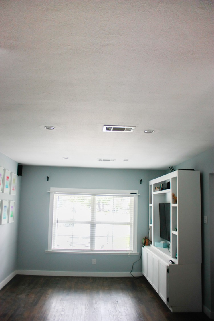 Plain ceiling that could use a makeover