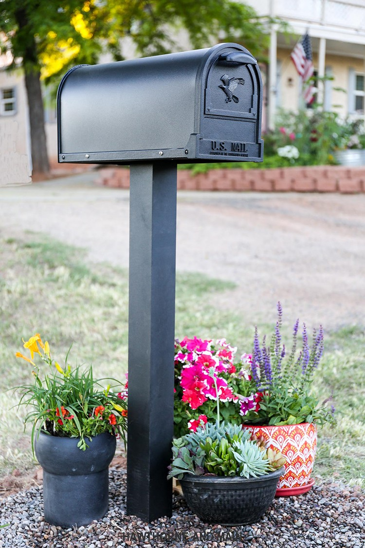 Curb Appeal Mailbox Project by Shonee Smith of Hawthorne and Main