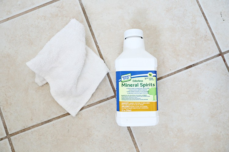 Mineral spirits for cleaning a tile floor before painting