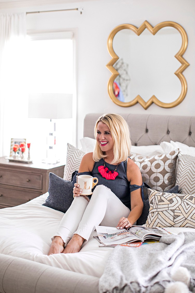 Lauren Lefevre of Edit by Lauren on her expertly styled bed