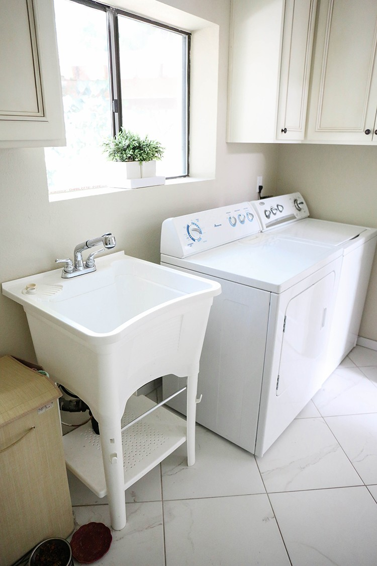Laundry Room Tile Makeover with Smart Tiles – Home Improvement Blogs
