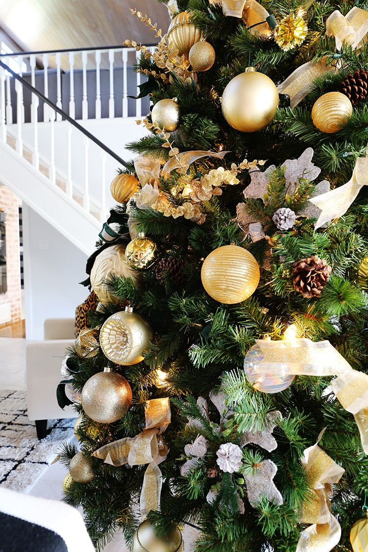 How to Decorate a 12-ft. Christmas Tree