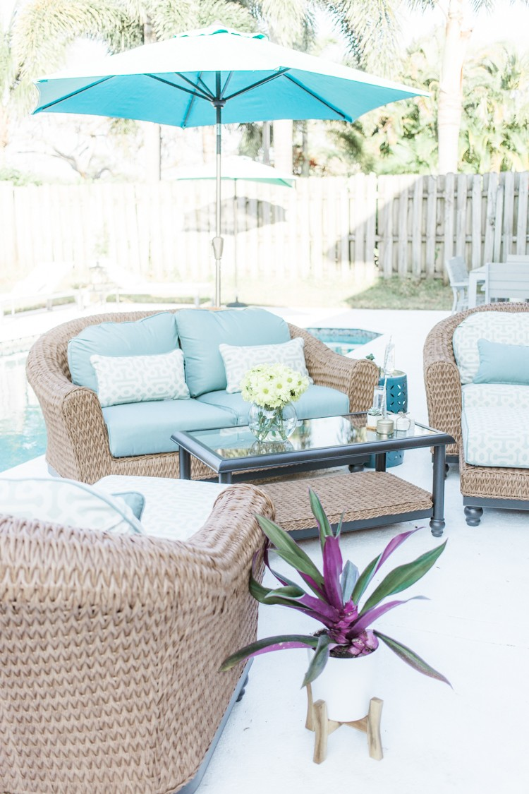 How to Create a Poolside Patio Lounge