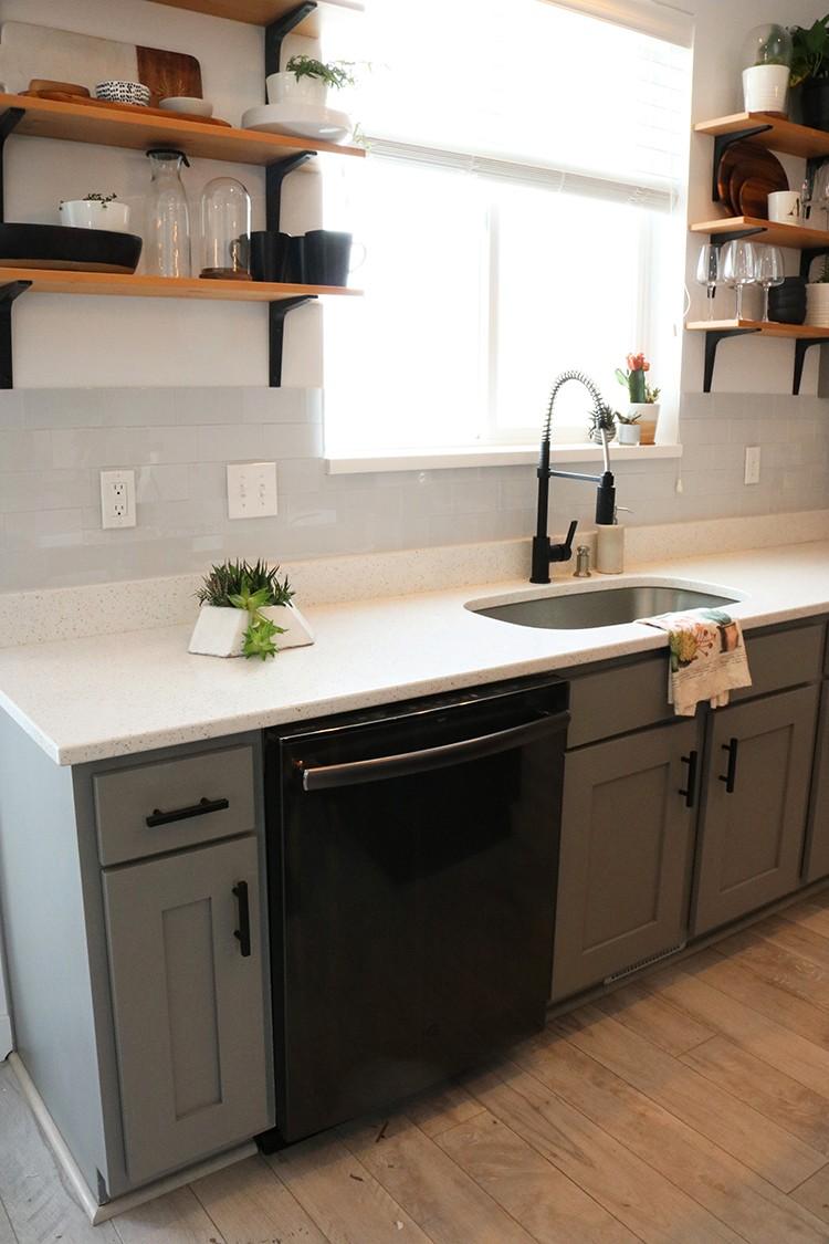 styling GE black stainless steel kitchen applianceas