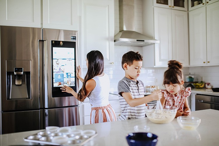 Uyen Carlson upgrades her home with sleek new kitchen appliances that are high tech and easy-to-use. Find out how she completely transformed her kitchen.