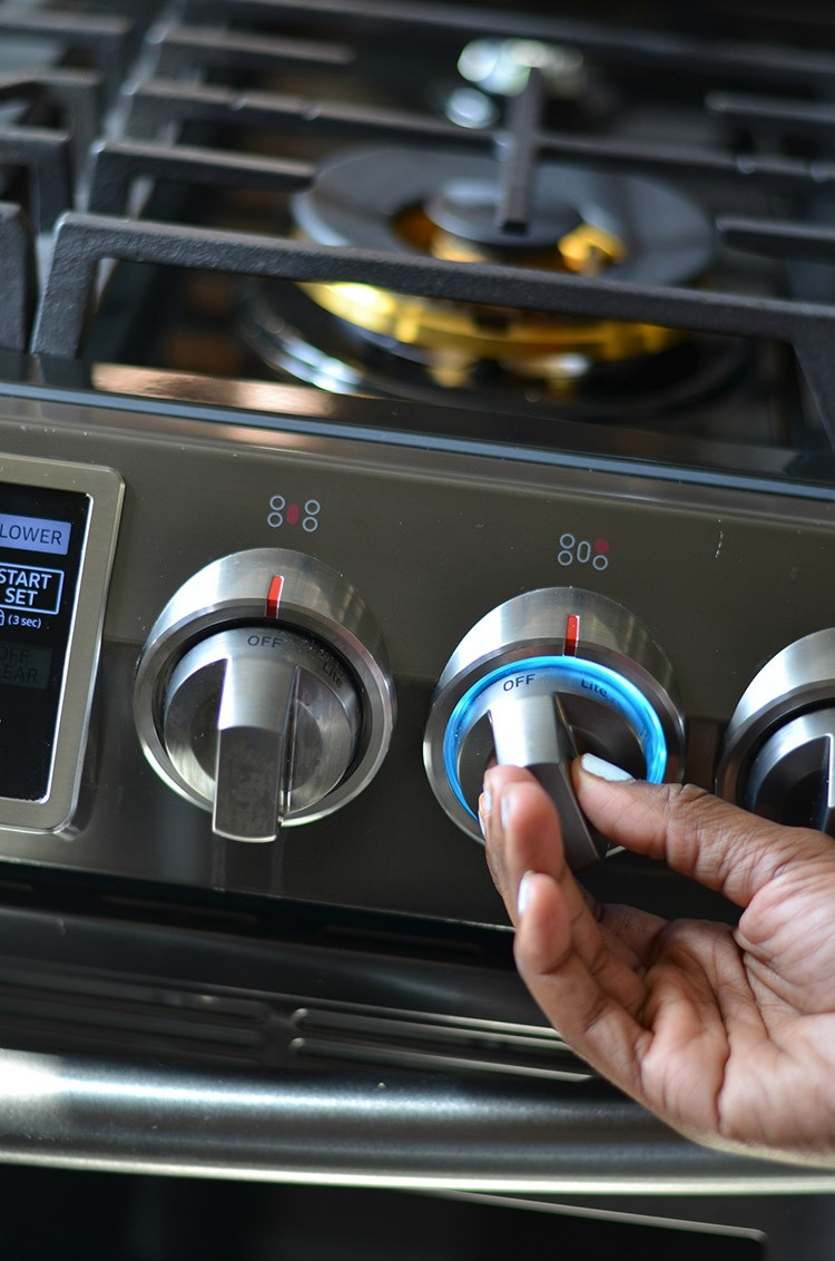 See how Samsung's smart kitchen appliances have helped blogger, Shavonda Gardner from SG Style, and her family navigate life a little easier in the kitchen.