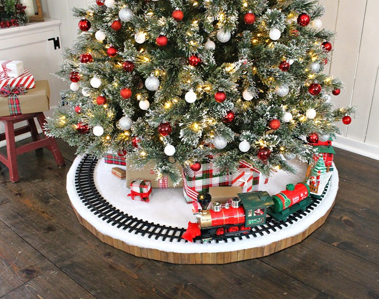 How to Make a Christmas Tree Train Track Skirt