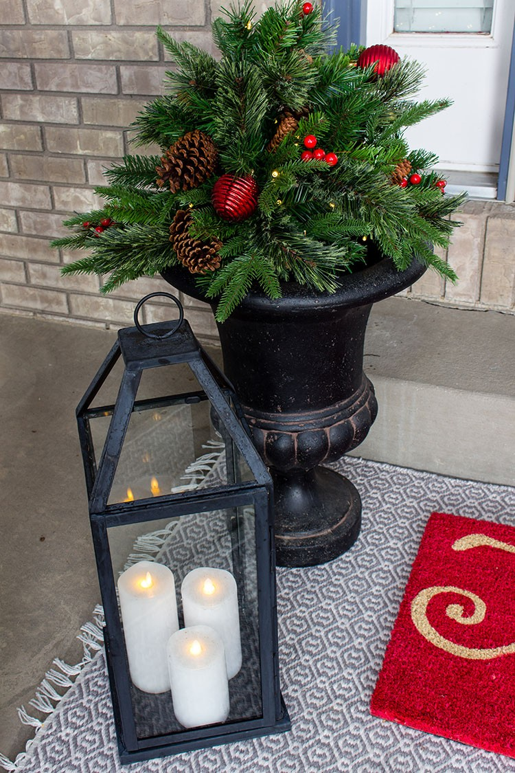 How to add Christmas Cheer to Your Front Door