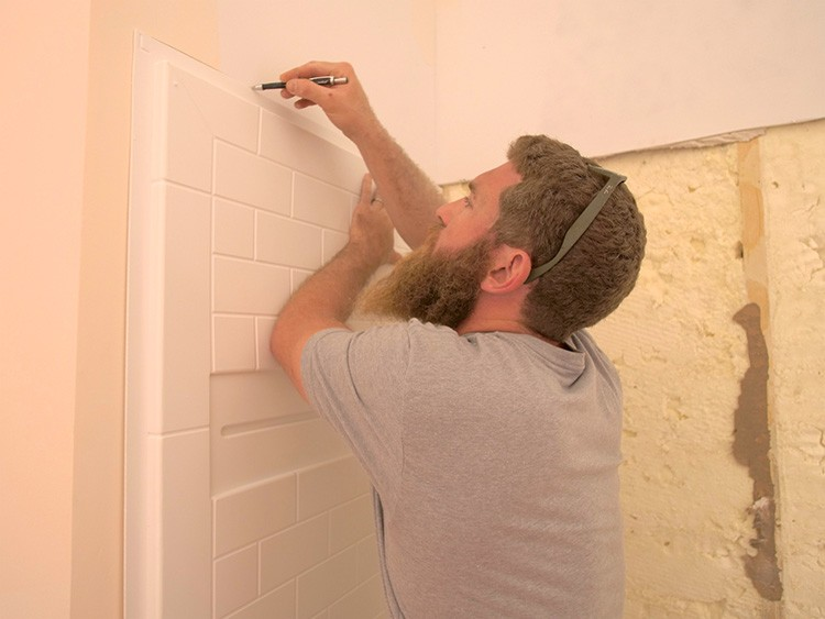 Jamison Rantz of Rogue Engineer takes on three bathroom renovations with ease thanks to Delta's customizable UPstile Wall System.