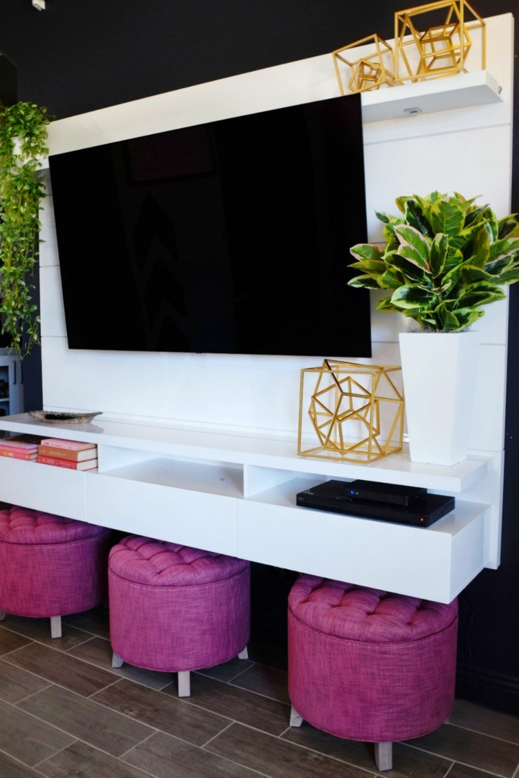 Merichelle Jones wanted decor be the focal point of her living room. Check out how she designs her entertainment center around a flatscreen TV.