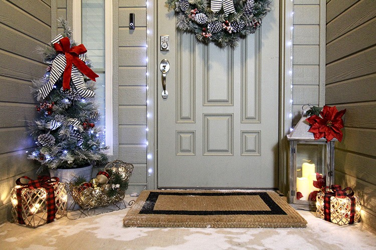Ashley Basnight Of Handmade Haven Transforms Her Front Porch For The Holidays Impress Your Guests