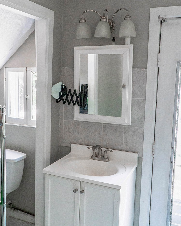 Rick LaFaver of Wood Work Life gave his mother in law a house warming gift of a lifetime by completing a gorgeous bathroom remodel in her new home.