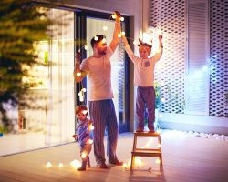 Safety Tips for Installing Your Christmas Lights | Direct Energy Blog
