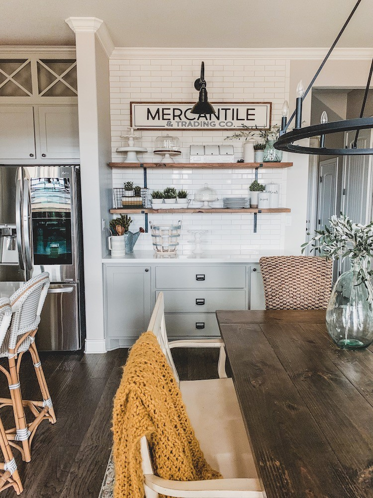 Quartz Countertops for a Modern Farmhouse