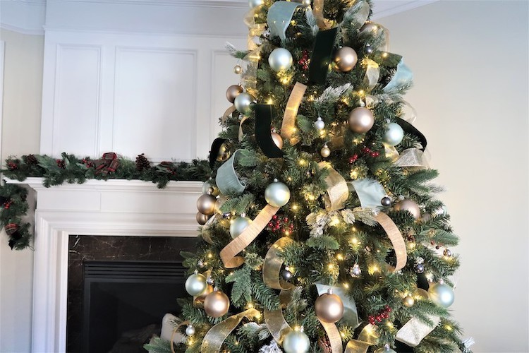 Townhouse Christmas Decor