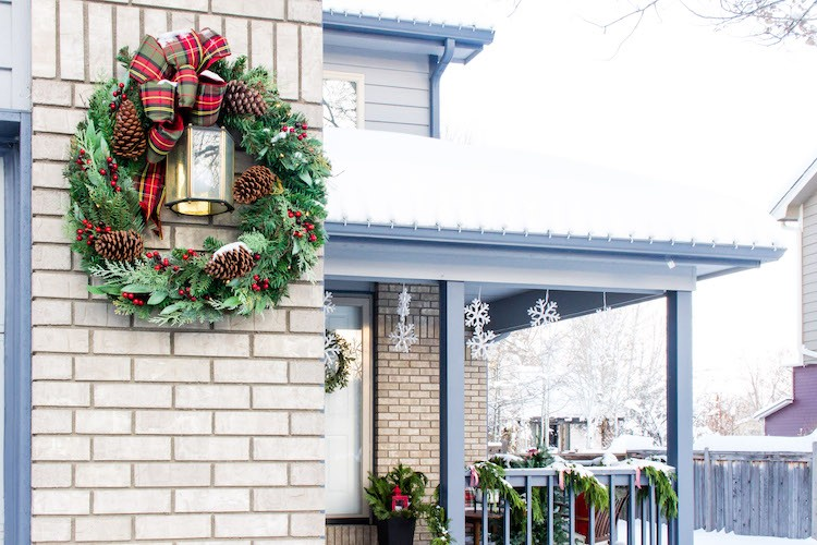 Festive Outdoor Christmas Decorations