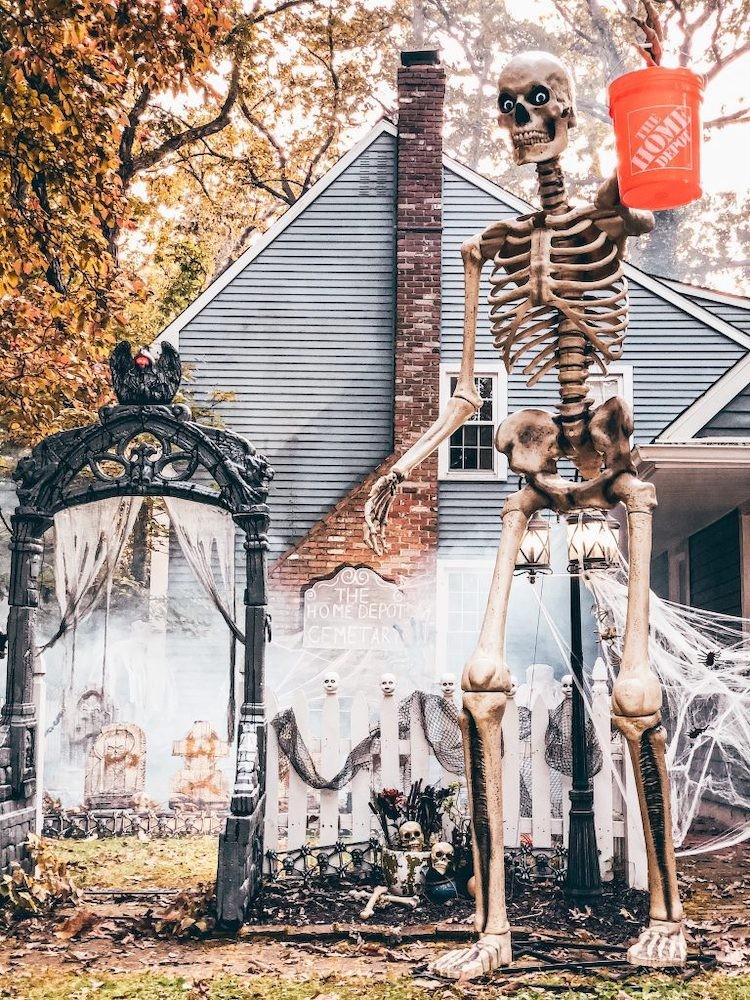 Creating A Ghostly Graveyard For Halloween